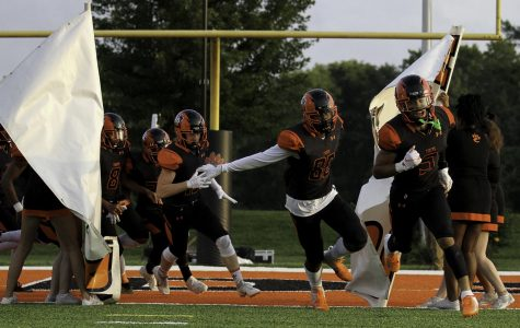 EHS Football Faces No. 1 Ranked Missouri Team