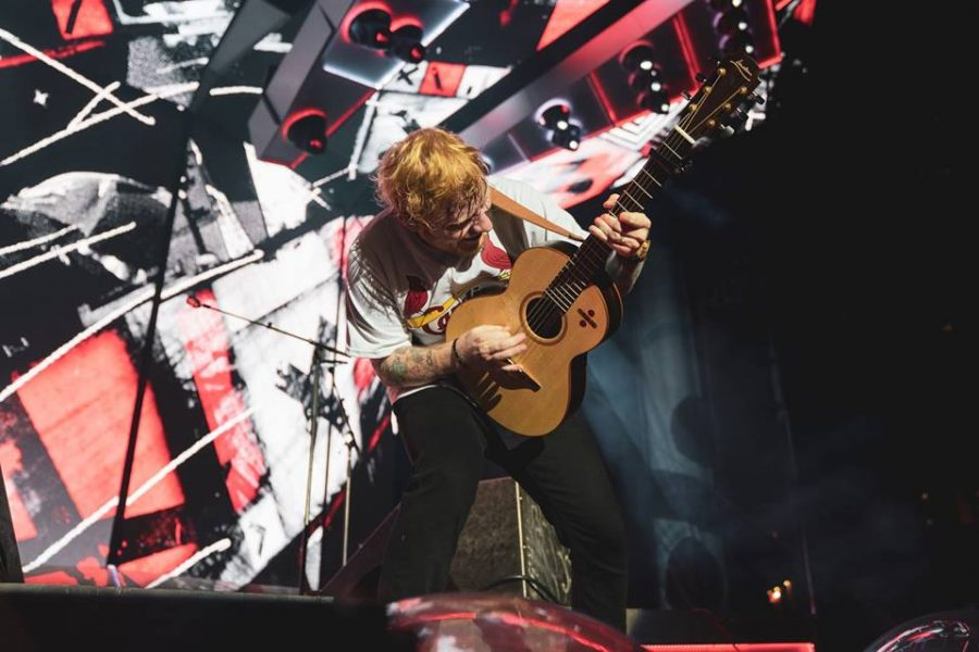 Ed+Sheeran+proved+his+pop+prowess+at+his+recent+St.+Louis+concert+while+donning+a+Cardinals+jersey.