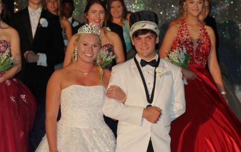 Lipe, Hemings Crowned Homecoming Royalty
