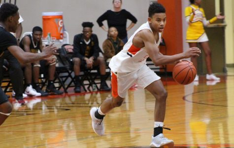 Edwardsville Basketball: Team Gains Experience at Ladue Tournament