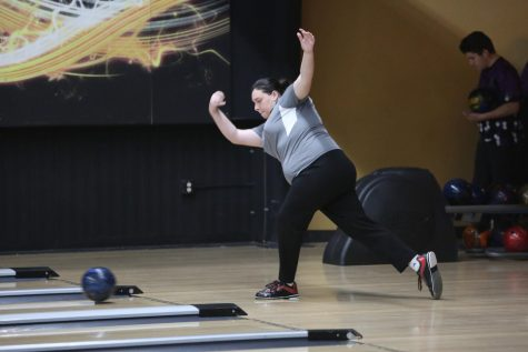 Bowling Prepares for Sectional Match