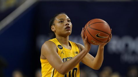 Naz Hillmon of Michigan prepares to shoot during a Feb. 16 NCAA Game.